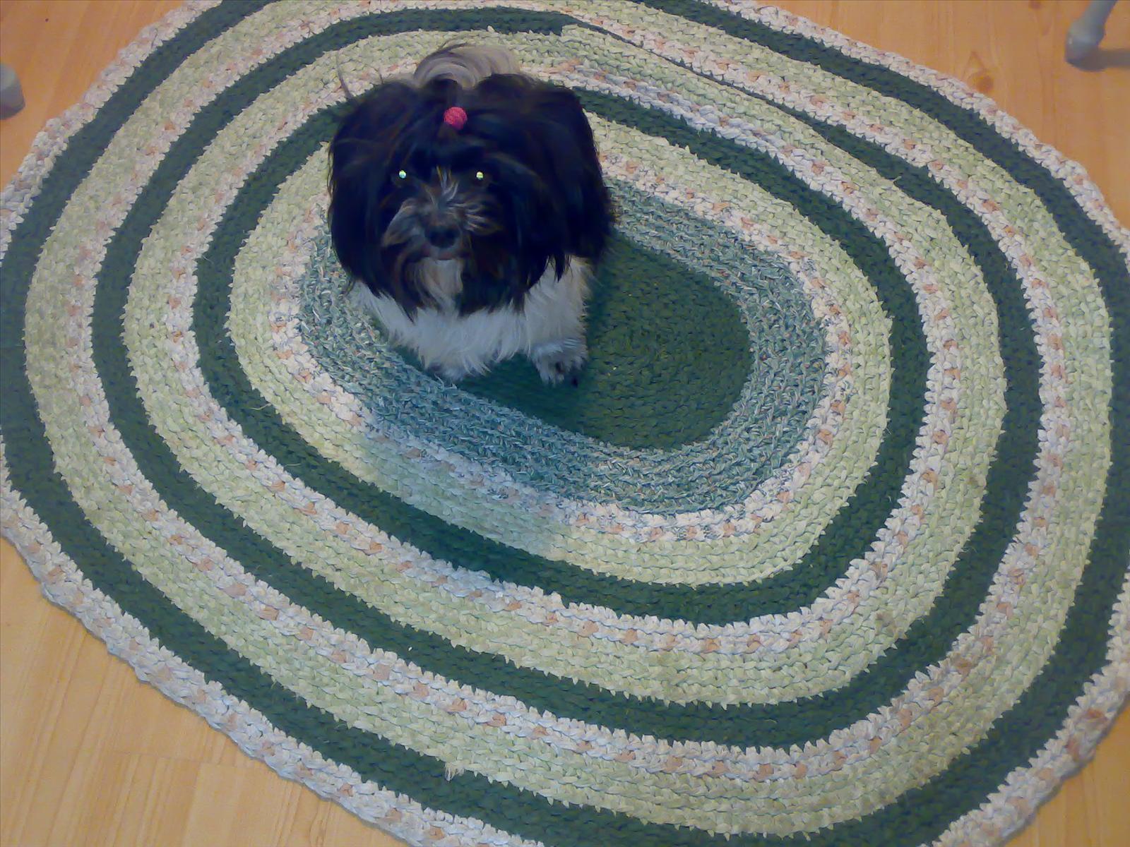 Oval virkad matta